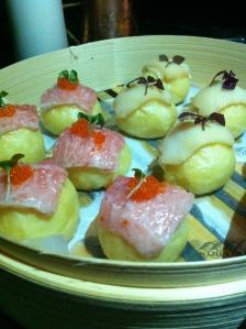 Baozis de ventresca y pez mantequilla