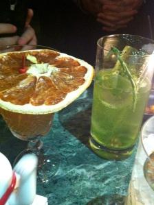 Gin&tonic con salicornia. No recuerdo el nombre del de la izquierda :(
